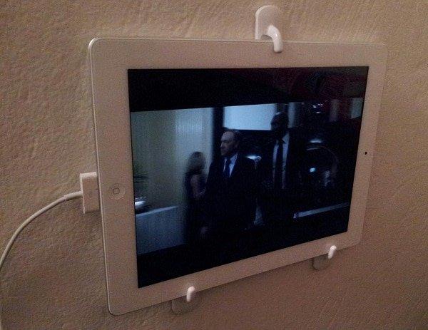 Wall-mount-iPad