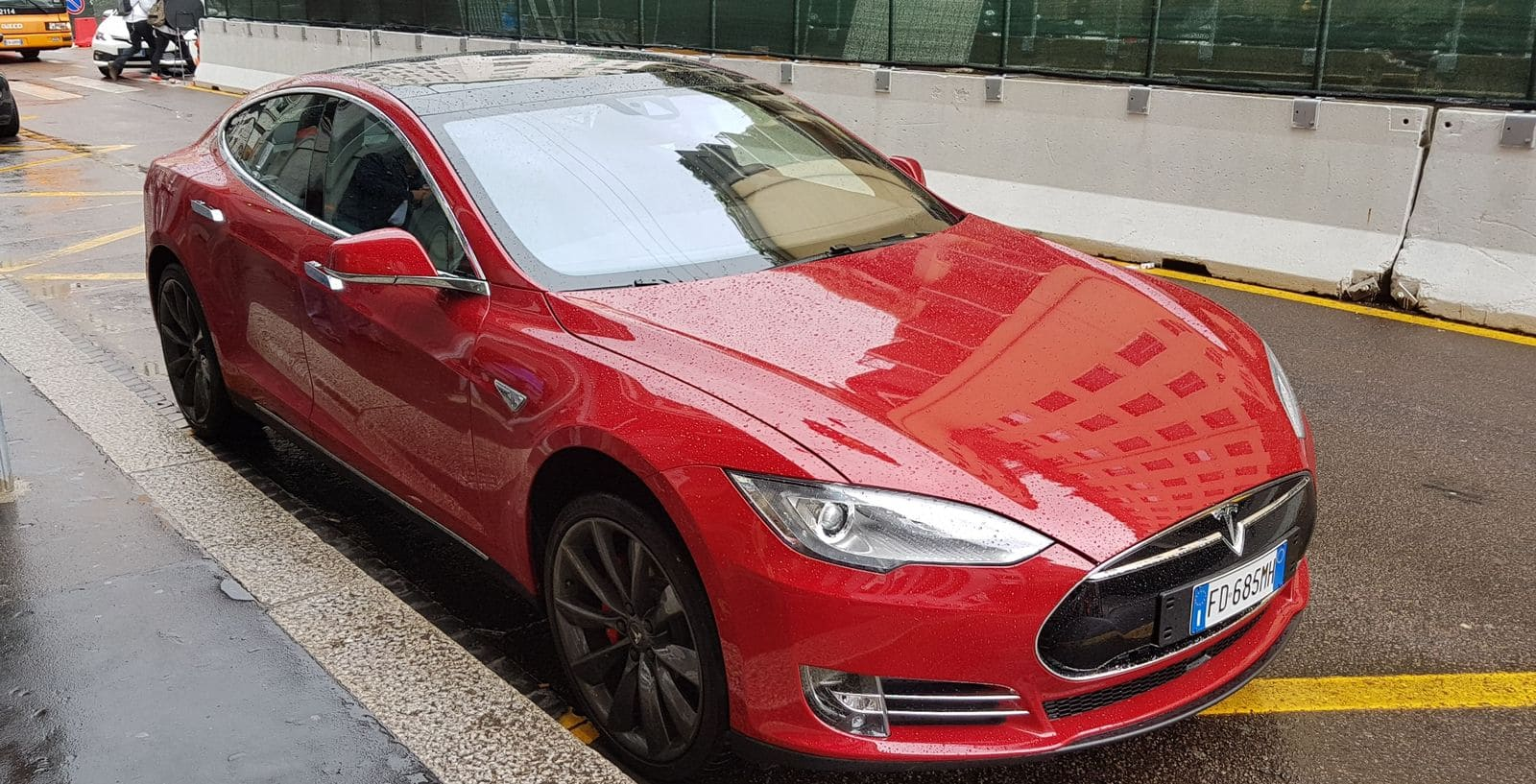 Tesla Model S_Esterni (18)