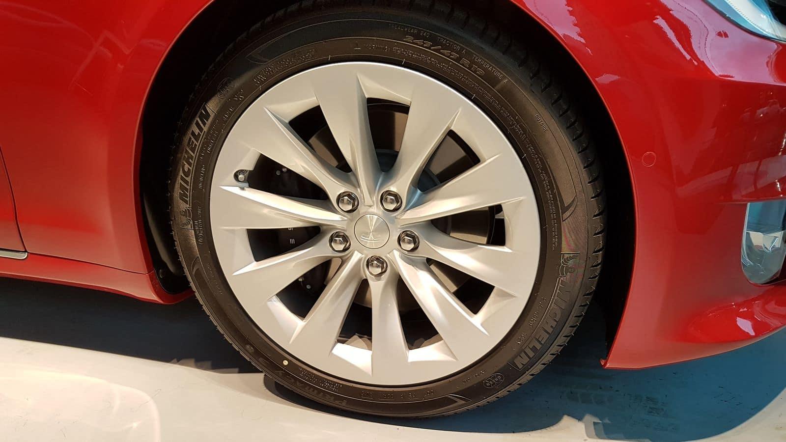 Tesla Model S_Esterni (9)