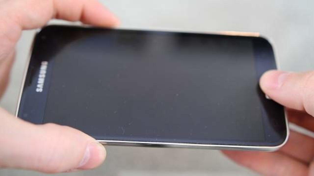 Display Cellulare Nero Dopo Caduta Cosa è Successo