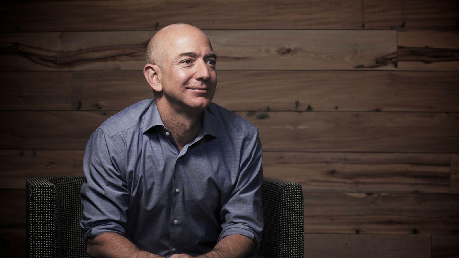 Amazon: Jeff Bezos è nuovamente l'uomo più ricco del mondo