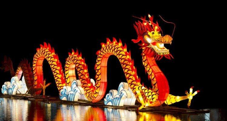 Regate, fuochi d'artificio e maschere orientali: a Cagliari ecco il Capodanno cinese