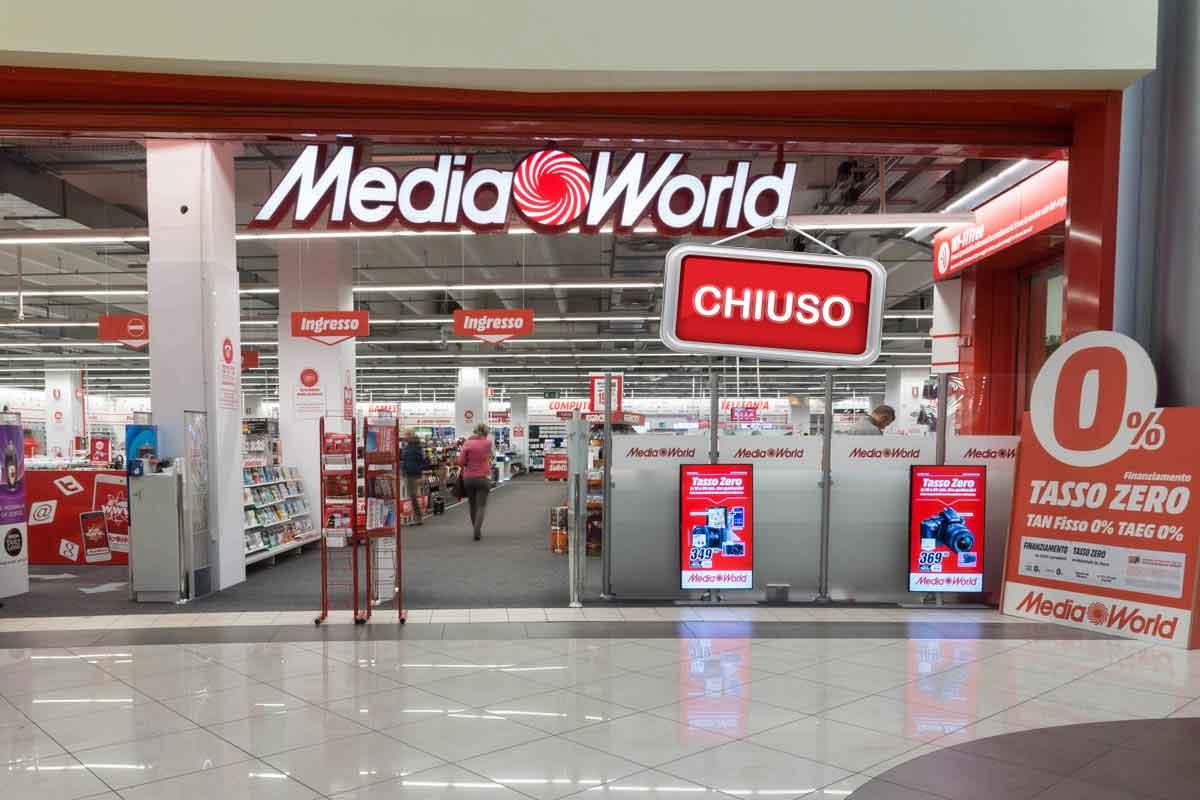 Media World Sposta Il Suo Quartier Generale Aria Di Crisi In Vista