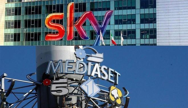Mediaset pronta a vendere a Sky la piattaforma Premium