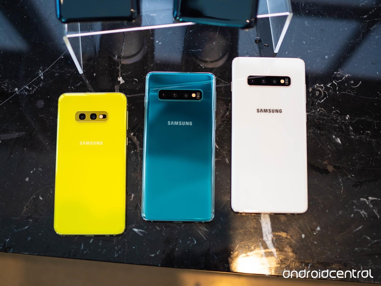 Confronto tra Galaxy S10, S10+, S10e