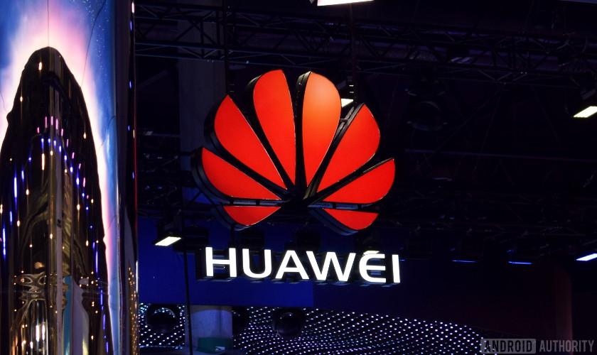 Huawei ha rinviato lo smartphone pieghevole
