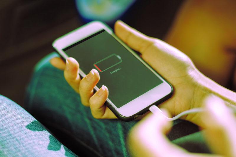 Come caricare al meglio la batteria del cellulare